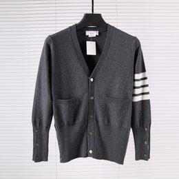 Wholesale Natural Wool Yarn - 5 Buckle Cashmere Four Yarn Dyed Fabric Cardigan mens designs designer jumpers pp men sweater James brand for Pullover T