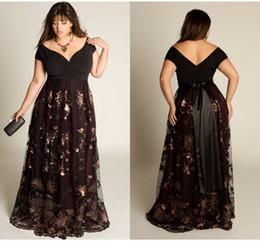 col parfait Promotion Perfect Plus Size robes formelles Appliqué V-Neck manches courtes Backless robes de soirée Longueur de plancher une ligne mère de la mariée
