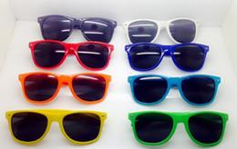 Óculos bonitos quadros marcas on-line-Crianças Óculos De Sol Da Marca Óculos De Sol Óculos De Sol Para Homens Óculos De Sol Da Moda Bonito Do Bebê Das Meninas Dos Meninos Moldura De Plástico Criança Óculos De Proteção Para Os Olhos Das Crianças