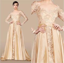 Недорогие платья от кутюр онлайн-Золото кружева вышивка пятно с длинным рукавом платья выпускного вечера 2018 MNM Couture Sheer шеи элегантный Дубай арабский вечернее вечернее платье дешевые