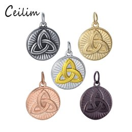 Wholesale celtic pendant silver knot - New Round Pendant Celtic Knot Charm For Jewelry Making Supplies Fit DIY Stainless Steel Jewelry Necklace Pendant Wholesale