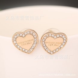 Wholesale United Number - Europe and the United States are selling exquisite diamond earrings earrings peach small global hot wholesale sales