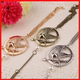 Wholesale Double Finger Chain Rings - Film The Hunger Games badge double face Mockingjay charm bracelets Siamese Bracelets finger rings movie statement jewelry 3 colors 160467