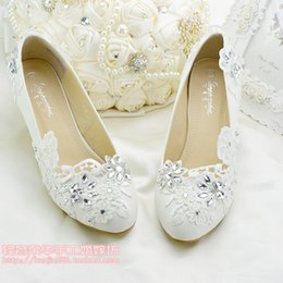 Wholesale Cheap Ballet Pumps - Crystal Lace Flower Wedding Shoes Bridal Accessories Bridal Shoes Cheap Flat Heel and Low Heel Wedding Shoe Slip ons Size 4-Size 9