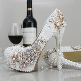 Wholesale Bridal Shoes Low Heel Ivory - Luxury Pearls Wedding Shoes High Heels Sparkle Crystal White Iovry Bridal Party Shoes Free Shipping Elegant Prom Evening Shoes