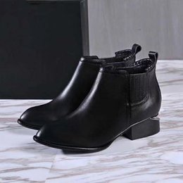 Wholesale Roman Lines - The new black mark line unique sewing pigskin outsole with short pointed metal with short barrel female Ankle Boots
