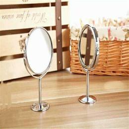 Espejo de maquillaje Espejo de metal plateado Espejo de escritorio de dos lados giratorio giratorio Función de zoom 1: 2 Maquillaje de 3 pulgadas Maquillaje esencial LDH 26 desde fabricantes