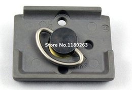 """Wholesale Quick Release Plate Manfrotto - Wholesale-Replacement Camera Quick Release Plate + 1 4"""" D-ring Screw For Manfrotto Bogen 200PL-14 RC2 Tripod Ball Head 3030 3130"""