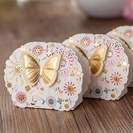 Wholesale Laser Cut Wedding Favor Bags - Chocolate Favor Boxes Flower and Butterfly Theme Wedding Candy Box Romantic Favors and Gifts Bag Laser Cut Party Baby Candy Box