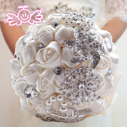 Wholesale Handmade Bouquets - 2016 Hot Sale Wedding Bridal Bouquets with Handmade Flowers Peals Crystal Rhinestone Rose Wedding Supplies Bride Holding Brooch Bouquet