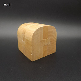 Wholesale Toy Locked Block - House Kong Ming Lock Toys Natural Wooden Blocks Games Improve Divergent Thinking Christmas Gift Teaching Aids Educational Toy