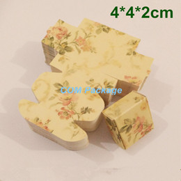 Wholesale Jewelry Gift Boxes Light - Small 4*4*2cm Light Yellow Floral Printed Kraft Paper Box DIY Wedding Favor Candy Gift Packing Box Jewelry Earring Handmade Soap Packaging
