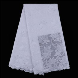 Wholesale African Swiss Voile Lace White - Promotion Swiss voile lace in switzerland 2018 Nigerian Dry Cotton Fabric Embroidered and Stones African Dry lace fabric White