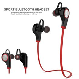 Wholesale Two Earphone One - One drag two stereo Bluetooth sports headphones 4.1 version support Chinese and English voice Cell Phone Earphones- red
