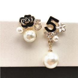 Wholesale Charm Dangles - E103 Pearl Number 5 Long Dangle Chain Famous Brand Designer Luxury Jewelry Jewlery Brincos Orecchini Earrings For Women