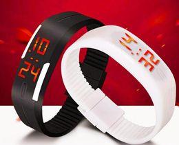 2019 señoras impermeable relojes deportivos Pantalla Táctil impermeable LED Pulsera Relojes Digitales Para HombresLadies Reloj de pulsera para mujer Reloj deportivo Saat rebajas señoras impermeable relojes deportivos