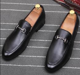 chaussures de carrière pour femmes Promotion Nouvelle mode de luxe hommes en métal brodé fleurs chaussures formel chaussures de l'homme pour le mariage retour d'affaires cadeau de Noël