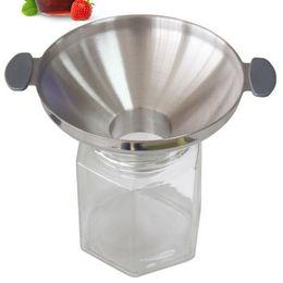 Canada 304 en acier inoxydable de gros calibre entonnoir cuisine vidange huile entonnoir à vin ravitaillement en combustible de pickle miel outil de remplissage cheap fill kitchen Offre