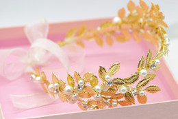 Wholesale Gold Leaves Hairband - Stunning Gold Leaves Beading Pearl Tiaras Headpiece Bridal Accessories Handmade Woman Hairband