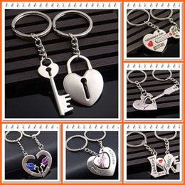 Wholesale Novelty Holder - 2016 Novelty Chaveiro Couple Keychain Lovers Heart Key Chain Ring Llaveros Casual Trinket Jewelry Valentine's Day Wedding Gift