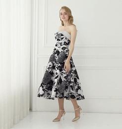 lunghezza del tè del vestito da sera di lusso Sconti Stampato Shinny tessuto tè lunghezza abito di promenade di lusso ragazze partito abiti da ballo Arbic breve abito da sera modello reale foto