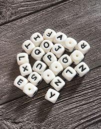 Lettres d'alphabet bébé en Ligne-100 PCS Silicone Alphabet Perles 12mm Sans BPA Food Grade Lettres À Mâcher Des Perles pour Collier De Dentition DIY Chewelry Bébé Jouets De Dentition