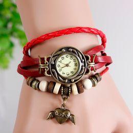 2019 часы ручной воды Горячая ретро бабочка любовь Сердце мода кожаный браслет воды кварцевые часы женщины наручные часы Наручные часы Бесплатная доставка дешево часы ручной воды