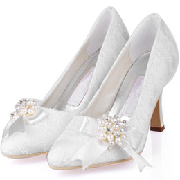 Wholesale Gold Lace Ballet Flats - 2015 Elegant White Ivory Lace Wedding Shoes With Pearls 9cm Stiletto Heels Pointed Toe Women Prom Party Evening Dress Wedding Bridal Shoes