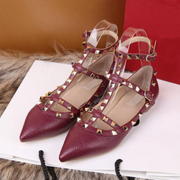 Wholesale european fashion heels - High quality genuine leather designer shoes leather embossed leather sandals European style brand shoes with boxes