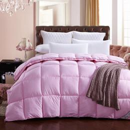 Atacado- moda rosa cama Quilting costura pato para baixo + penas + edredom de seda de veludo colcha para capa branca cachecol inverno foi de