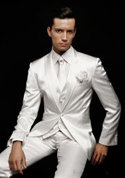 2019 pajarita negra traje gris 2016 blanco Slim Fit Novio Esmoquin Peak Lapel El mejor hombre se adapta a Ivory Groomsman / Novio Wedding / Prom Suits (Jacket + Pants + Tie + Vest)