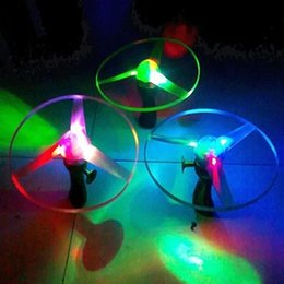 Wholesale Led Flying Disk - Light up LED FRISBEE Flashing Flying Disk UFO Flying Saucer Pull String Toy