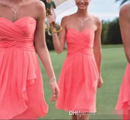 Canada Robe de soirée de mariage corsage en mousseline de soie courte robes de demoiselle d'honneur rose corail pas cher livraison gratuite robes de bal formelles cheap coral pink champagne bridesmaid dresses Offre