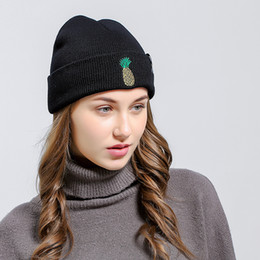 Wholesale Top Q - For Men And Women Skull Caps Winter Spring Keep Warm Beanie Embroidery Pineapple Pattern Knitted Hats Top Quality Q 5 5lza B