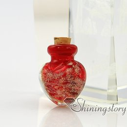 Wholesale Heart Glass Bottles - heart glitter murano glass luminous handmade murano glass perfume bottle for necklace small urn for necklace pendant for ashes
