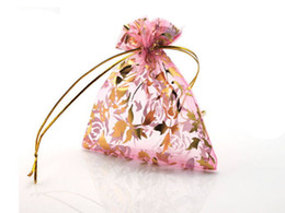 Бесплатная доставка Шелковый подарок мешок ювелирных изделий случае коробка ювелирных изделий мешок ювелирных изделий мешки 100 шт./лот от Поставщики подарочная коробка из шелка