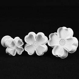 Conjuntos de émbolo de la flor online-Hot 3 Unids / set Trébol de Cuatro Hojas Cortador de la Torta de la Pluma Émbolo Pasta Fondant Sugar Craft Herramienta Molde Herramientas de Cocina Envío de La Gota