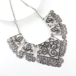Wholesale Vintage Style Necklaces Wedding - Vintage Style Antique Silver Gold Alloy Hollow Out Coin Pendant Statement Necklace for Women New Fashion Jewelry