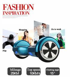 Roue à scooter électrique bleu en Ligne-CE, FCC, individu bleu de ROHS équilibrant la gamme de conduite électrique de monocycle de scooter de deux roues 15 ~ 20KM nouveau moteur planche à roulettes pour adulte