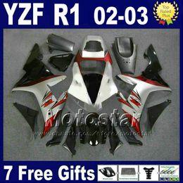 Deutschland Rot Silber Karosserie für YAMAHA 2002 2003 YZF R1 Verkleidungssatz Spritzgusssatz 02 03 r1 Verkleidungssätze ABS Karosserie 27RD cheap r1 silver Versorgung