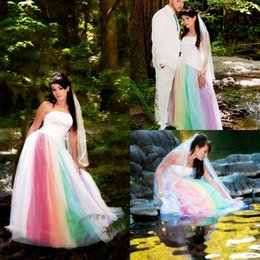 Wholesale Rainbow Dress Red - Vestidos de noiva 2017 Colorful Rainbow Gothic Outdoor Wedding Dresses Strapless Red Purple Blue Exotic Bridal Gowns Robe de mariage