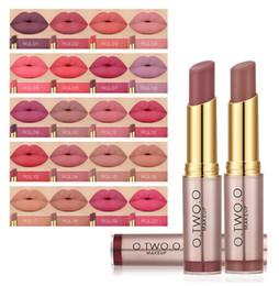 Melhor batom duradouro on-line-O.TWO.O 20 Cores Matte Batom Lábios Maquiagem de Longa Duração Kissproof Lip Gloss Batom Best Selling Apuramento Cosméticos