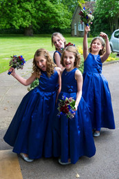 Wholesale Cheap Modern Flower Girl Dresses - Modern Royal Blue Satin Flower Girls Dresses For Vintage Wedding Jewel Neck Floor Long Pleats First Communion Party Gowns Cheap