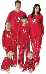 Wholesale Pyjama Sets - New Red Christmas Snoopy Pajamas set Pyjamas Sleepwear fpr Men women Family Matching Outfits Mother Kids Daddy Homewear European 2017