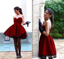 Wholesale Dhgate Backless Gowns - Romantic Burgundy Velvet Short Cocktail Party Gowns Ruffles Simple Dresses Evening Wear Sweetheart Sexy Vestidos Formal DHgate