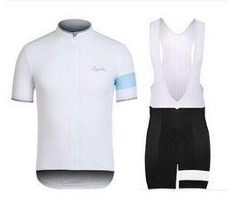 Camisetas de ciclismo cool hombres online-Rapha Ciclismo Jerseys Conjuntos Cool Bike Suit Bike Jersey Anti UV Ciclismo Mangas cortas Camisa Bib Shorts Hombres Ropa de la bicicleta hombres