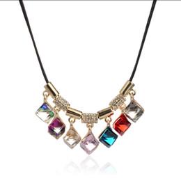 Новая мода ожерелье ювелирные изделия 7 цветов многогранные площади Кристалл алмазы ожерелье воск веревка цепи для женщин Рождественский подарок аксессуары от