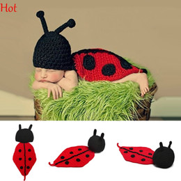 Wholesale Knitted Baby Animal Outfits - Hot Baby Infant Knitting Crochet Ladybug Animal Costume Soft Adorable Clothes Newborns Photography Props Baby Photo Hat Outfits Red SV007054