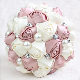 Wholesale Rose Brooch Bouquet - 2017 Hot Hide Powder Wedding Bridal Bouquets with Handmade Pearls Rhinestone Flowers Wedding Supplies Pink Rose Bride Holding Brooch Bouquet