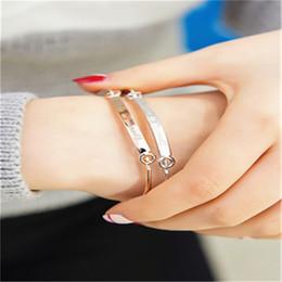Wholesale Custom Armbands - ersonalized Initials Bracelets Bangles for Women Gift Gold Bar Armband Custom Engraved Name Bracelet